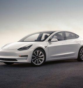 Tesla Model 3 фото электромобиля