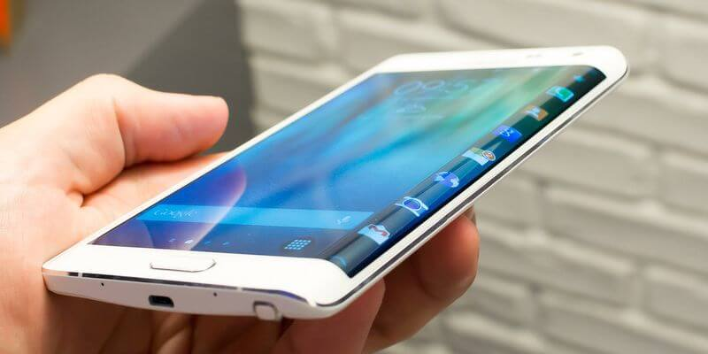 Samsung Galaxy S6 Edge, изогнутый дисплей, iPhone, фото